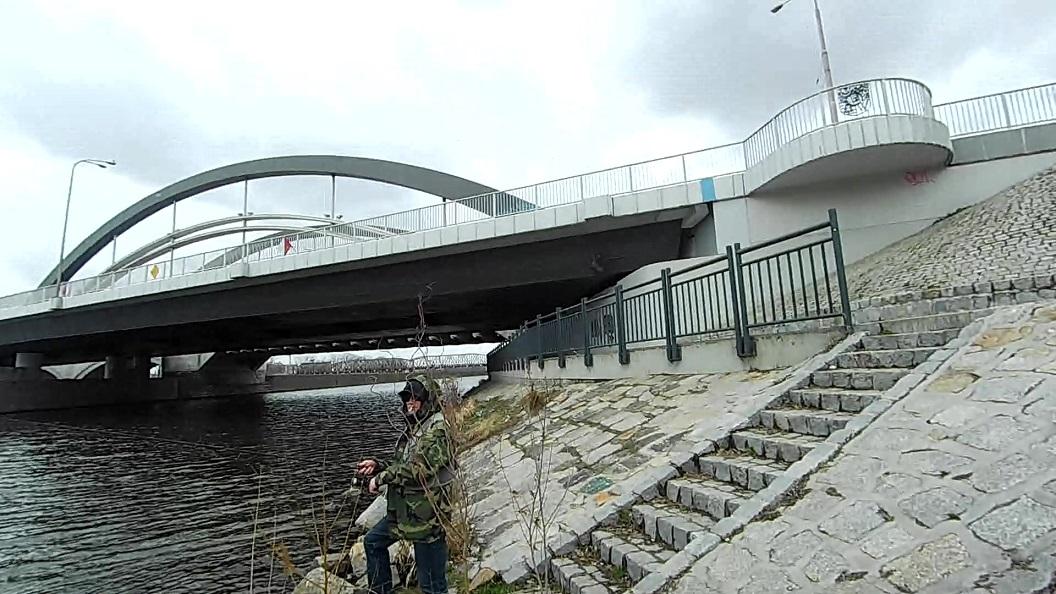 Street Fishing pod Mostem Warszawskim